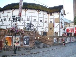 Shakespeare's Globe Theatre, Southwark, Thames Embankment